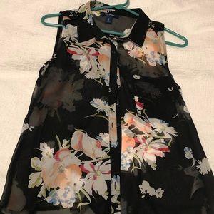 Sleeveless sheer button up shirt